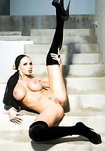 Nikki Benz exudes that Old Hollywood...